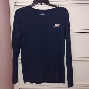 Vineyard vines logo long sleeve tee